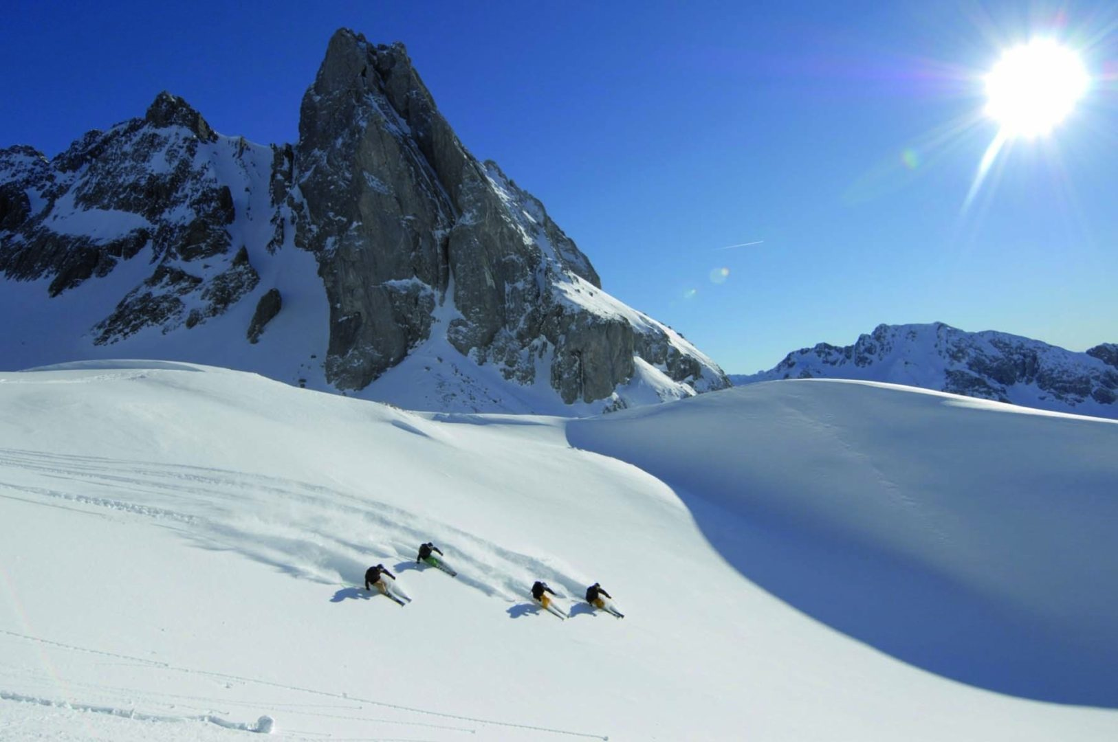 Move_Mountains_Luxury_Holidays_Austria_Tirol_Lech_am_Arlberg_Hotel_Gotthard_Skiiers_Lech_Winter