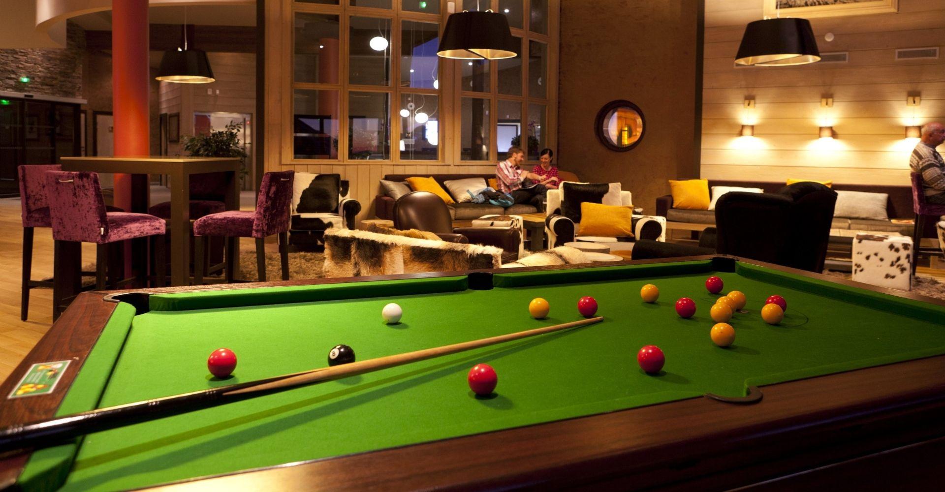 Lounge Billiards