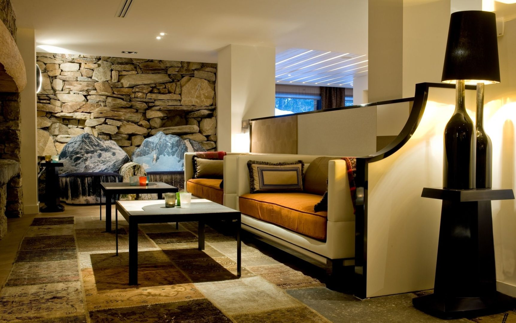 Tea room lounge