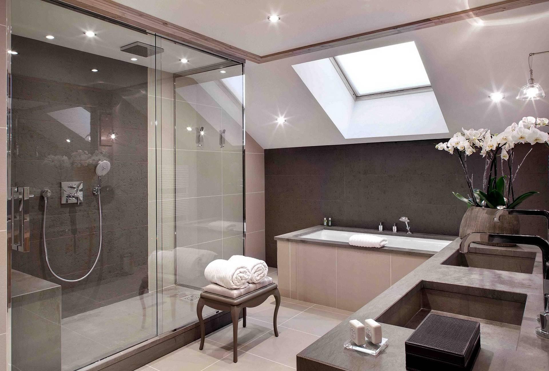 A Privilege suite bathroom