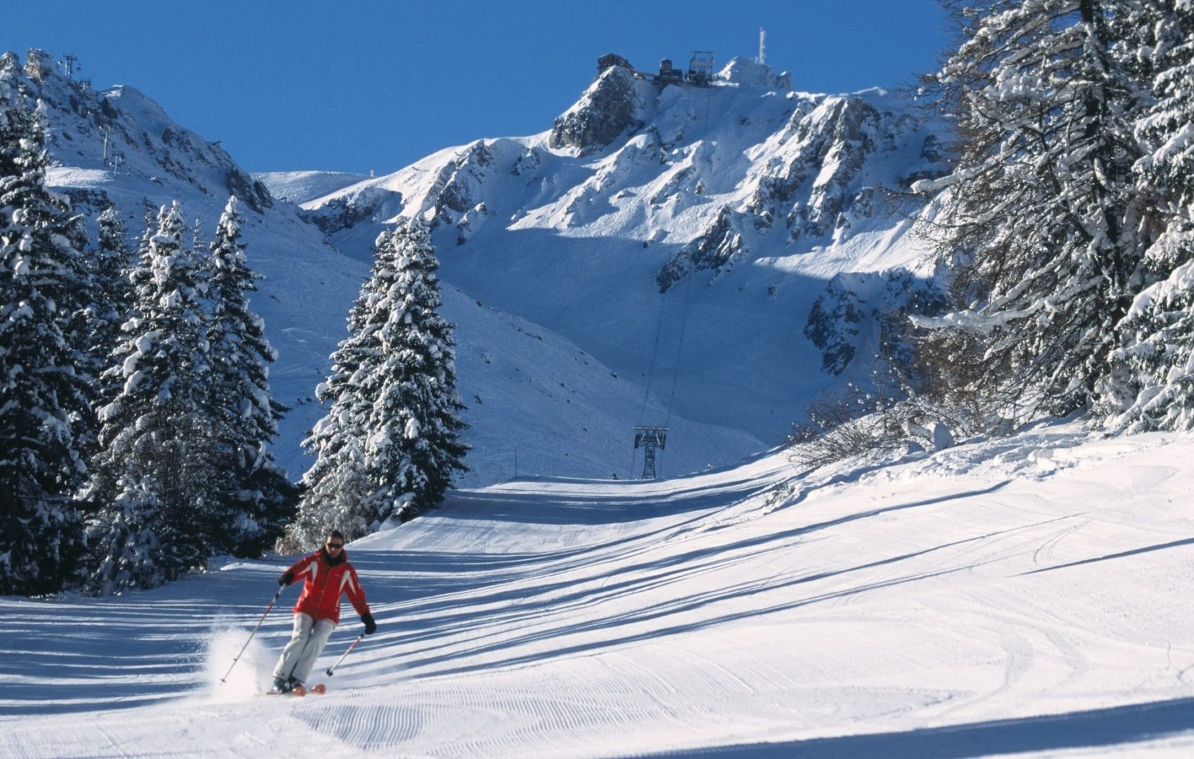 Skiing the groomed pistes of Courchevel