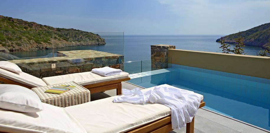 A Suite pool area