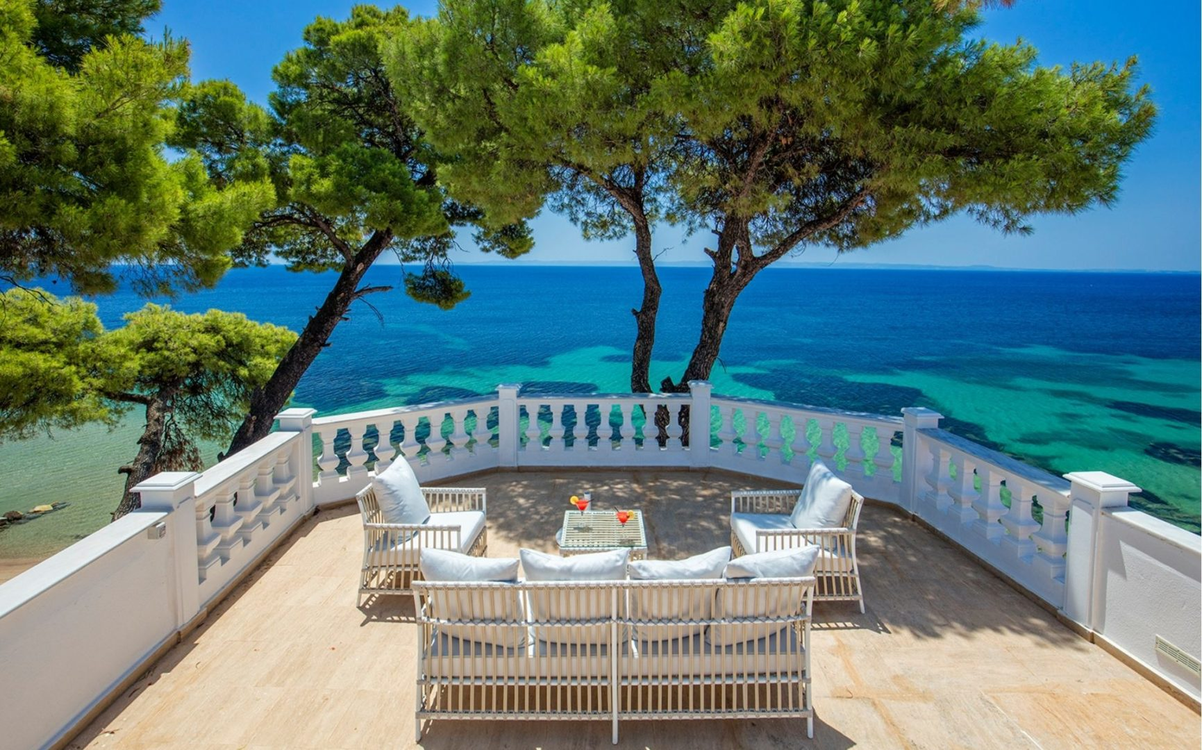 Mandarin Villa views of the sea