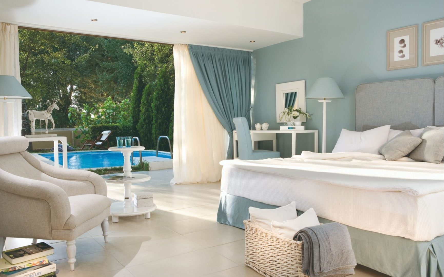 A Junior suite with private pool and garden