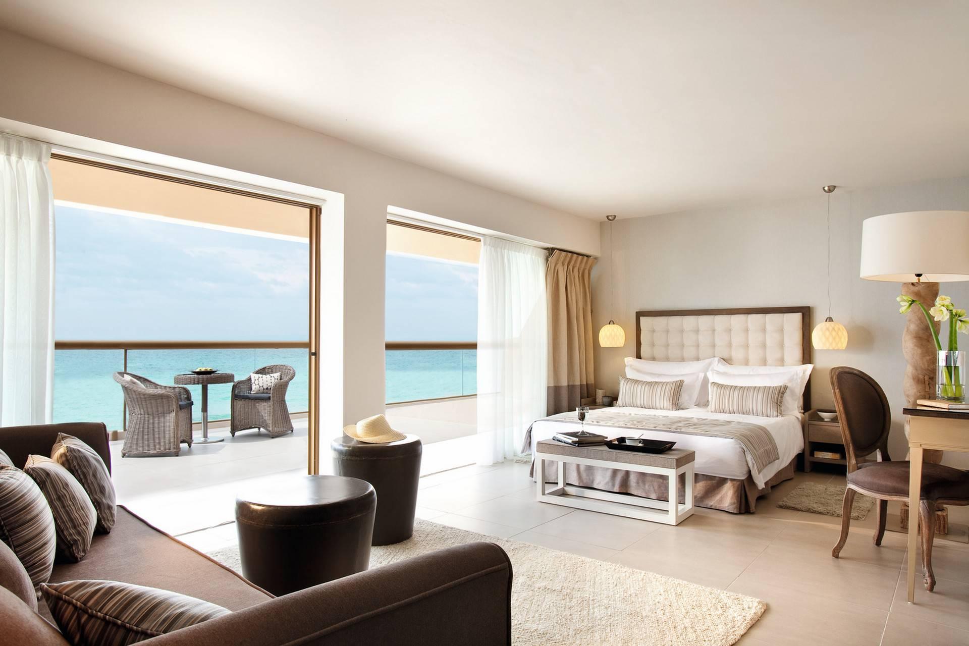 A Junior suite panorama