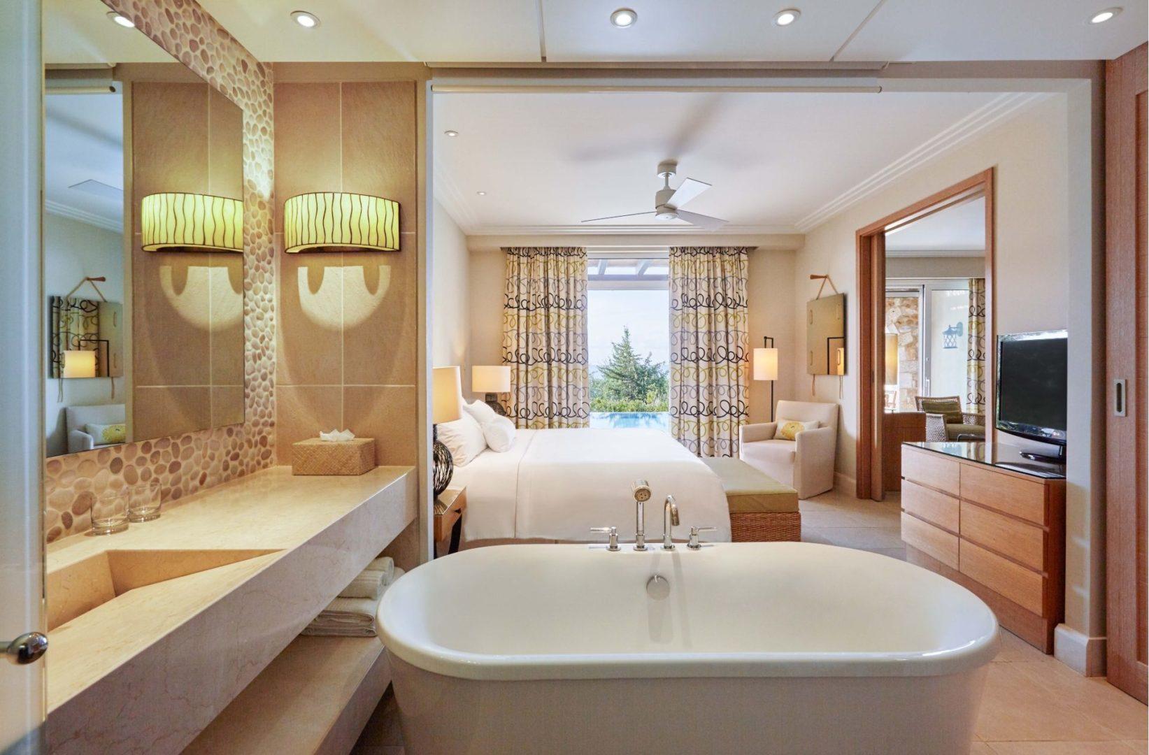 Premium Infinity Suite bedroom