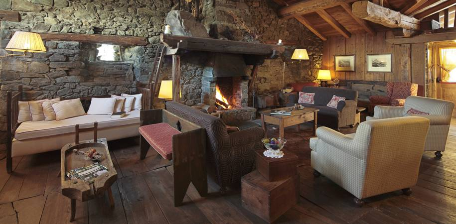 The lounge at Chalet Lo Miete