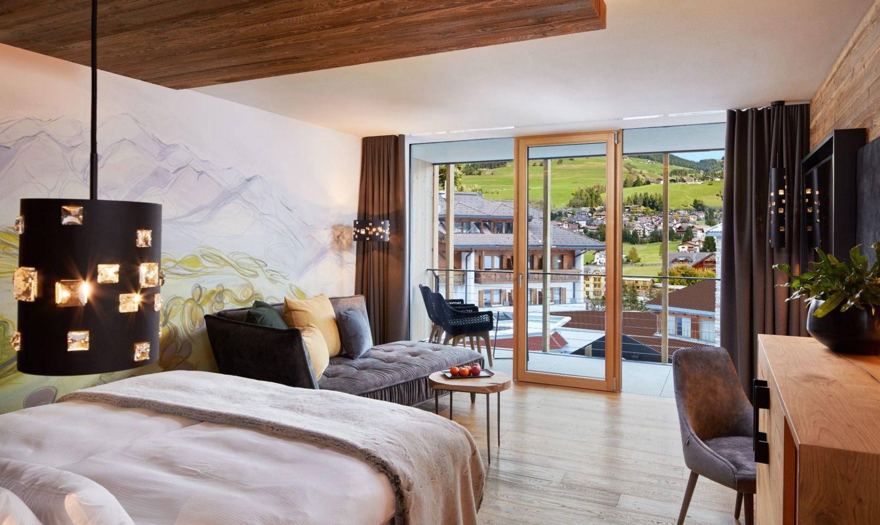 Dolomites Lodge decor