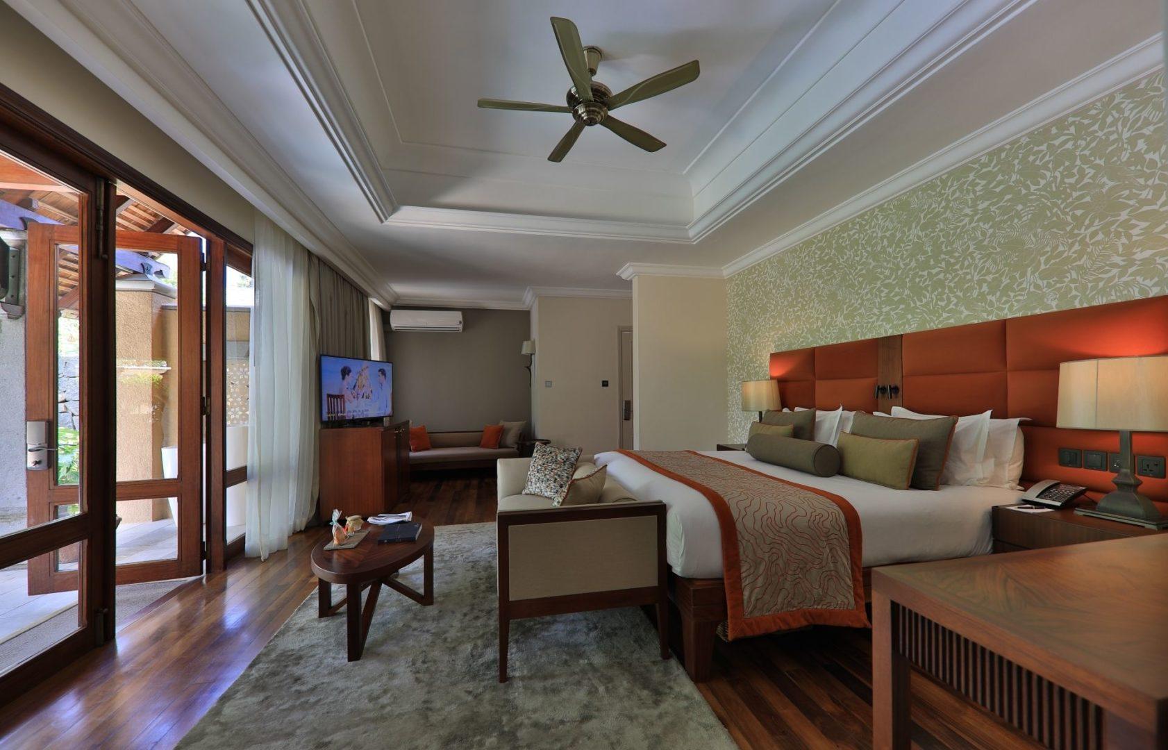 Beachfront Suite Pool Villa (Interconnecting) – Bedroom