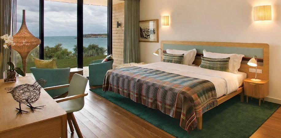 A hotel Beach room