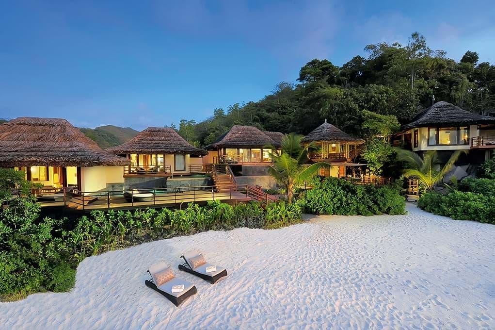 Presidential Villa beach loungers