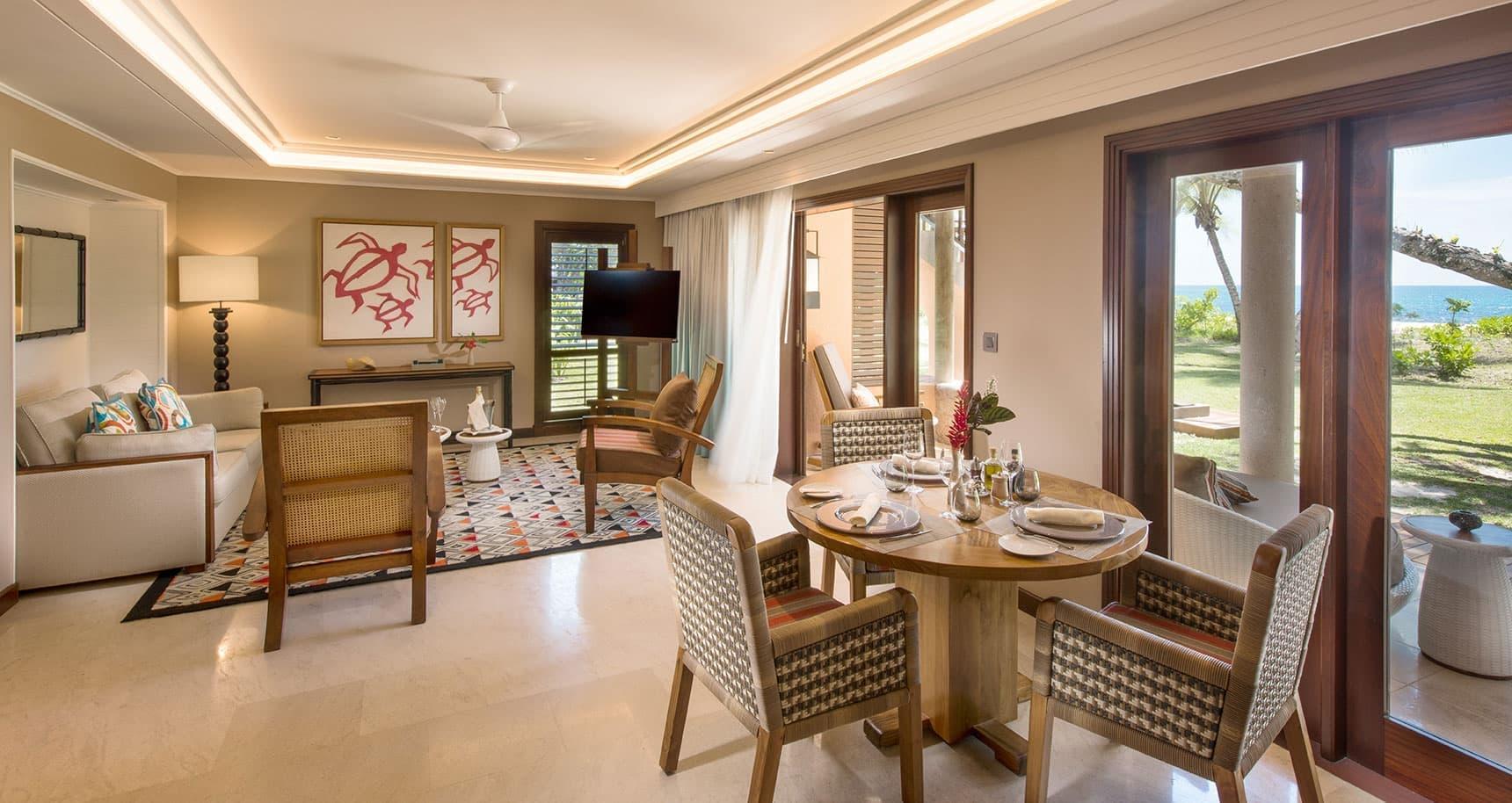 Senior Suite Lounge