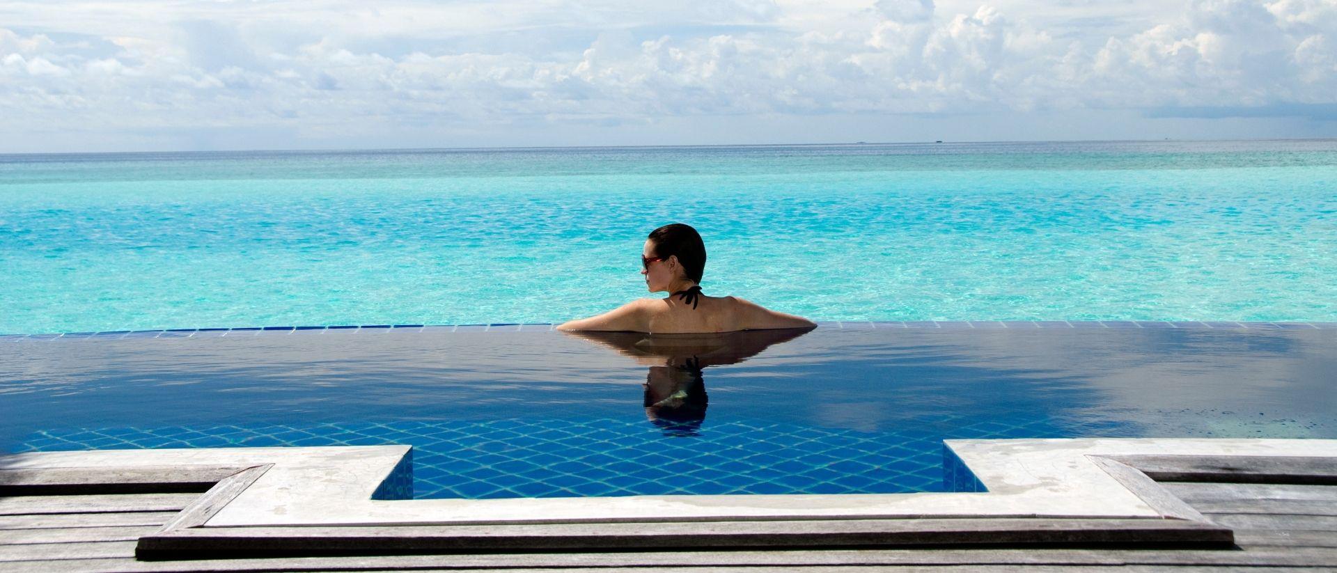 Anantara Over Water Pool Villa infinity pool