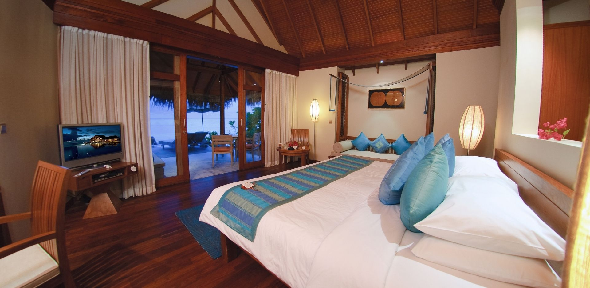 A Beach villa bedroom