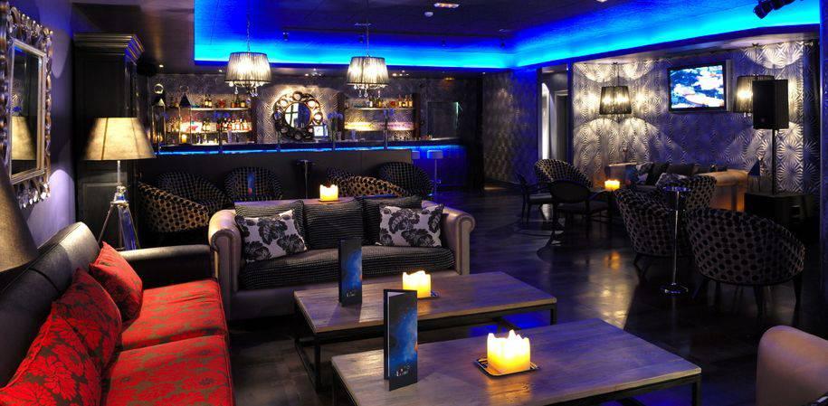 The popular '4 Lunas' bar