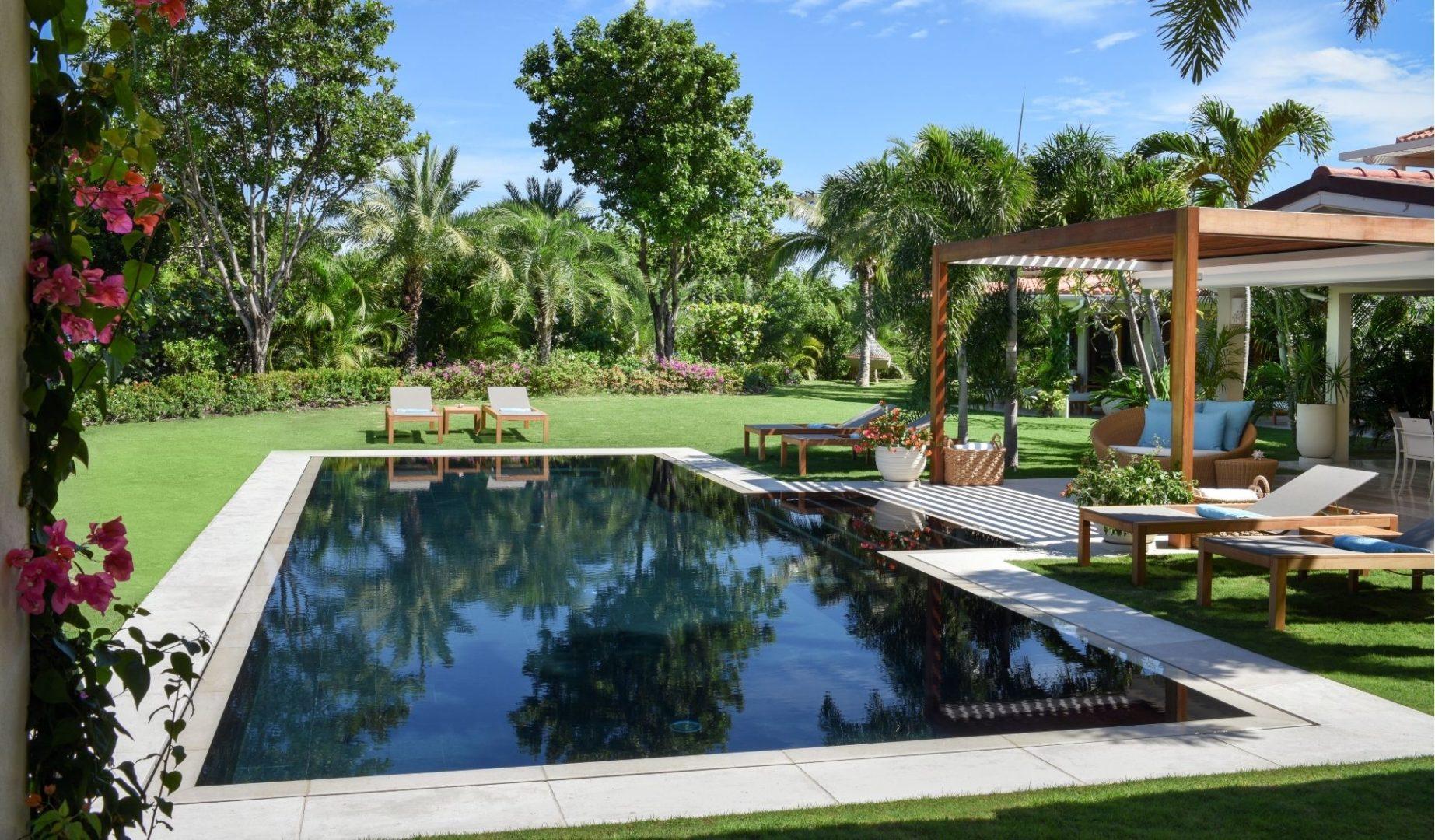 Allamanda Garden Pool