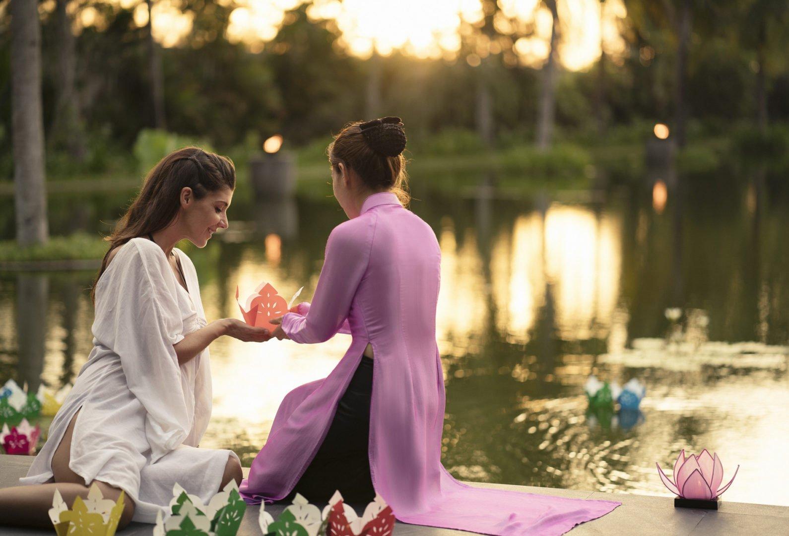 Good night kiss ritual at the spa