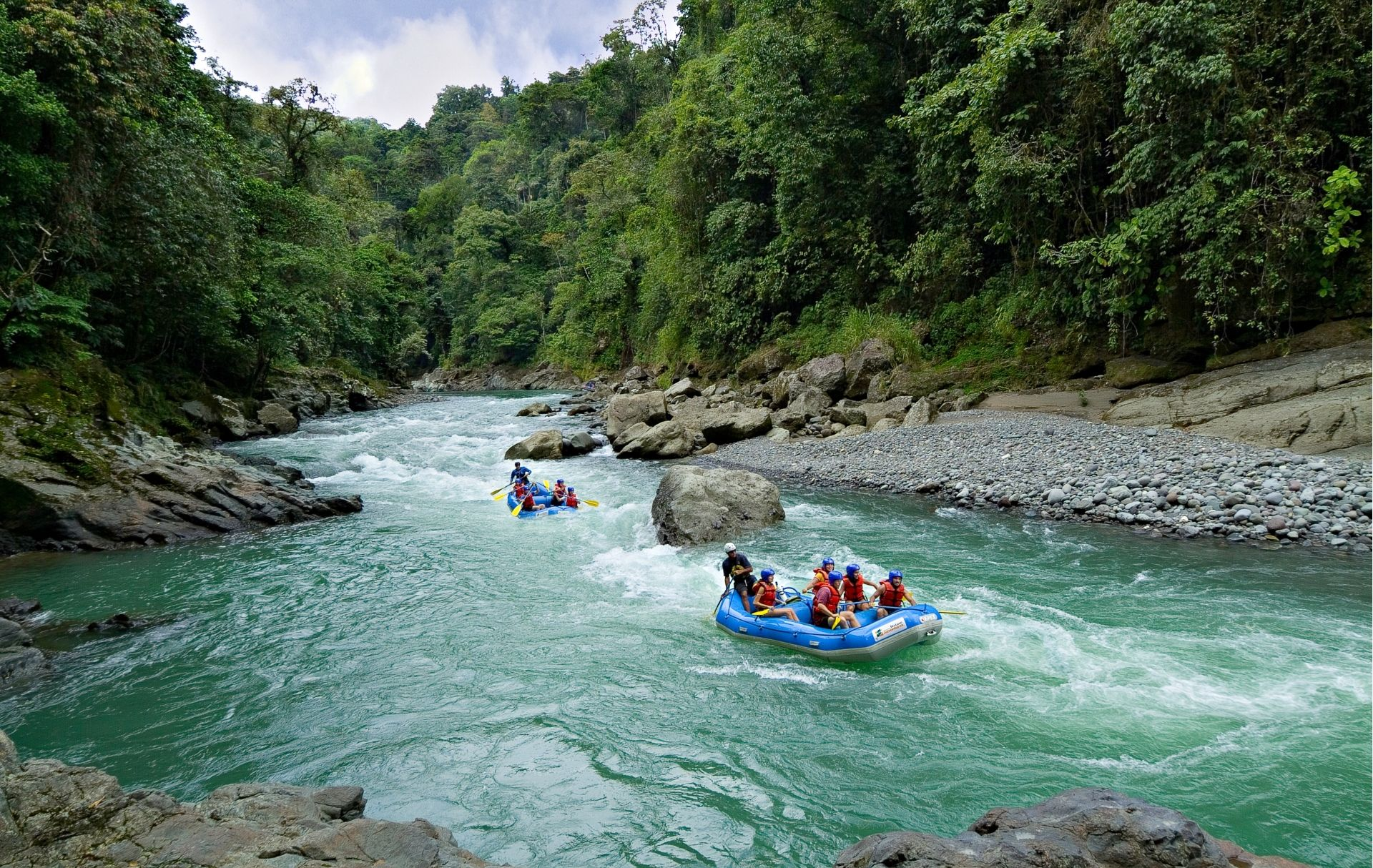 Rafting in the jungle