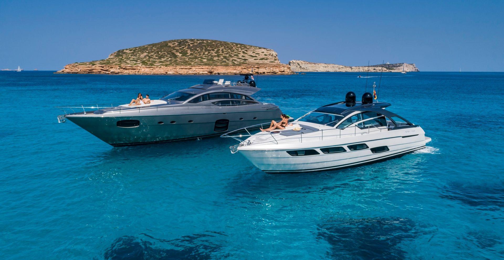 Pershing Yacht cruise around the island.