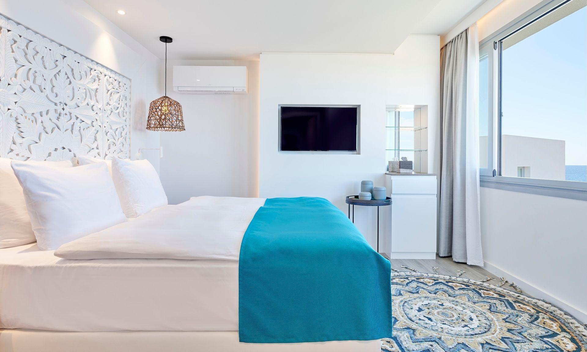 Cliff Suite Duplex Deluxe bedroom