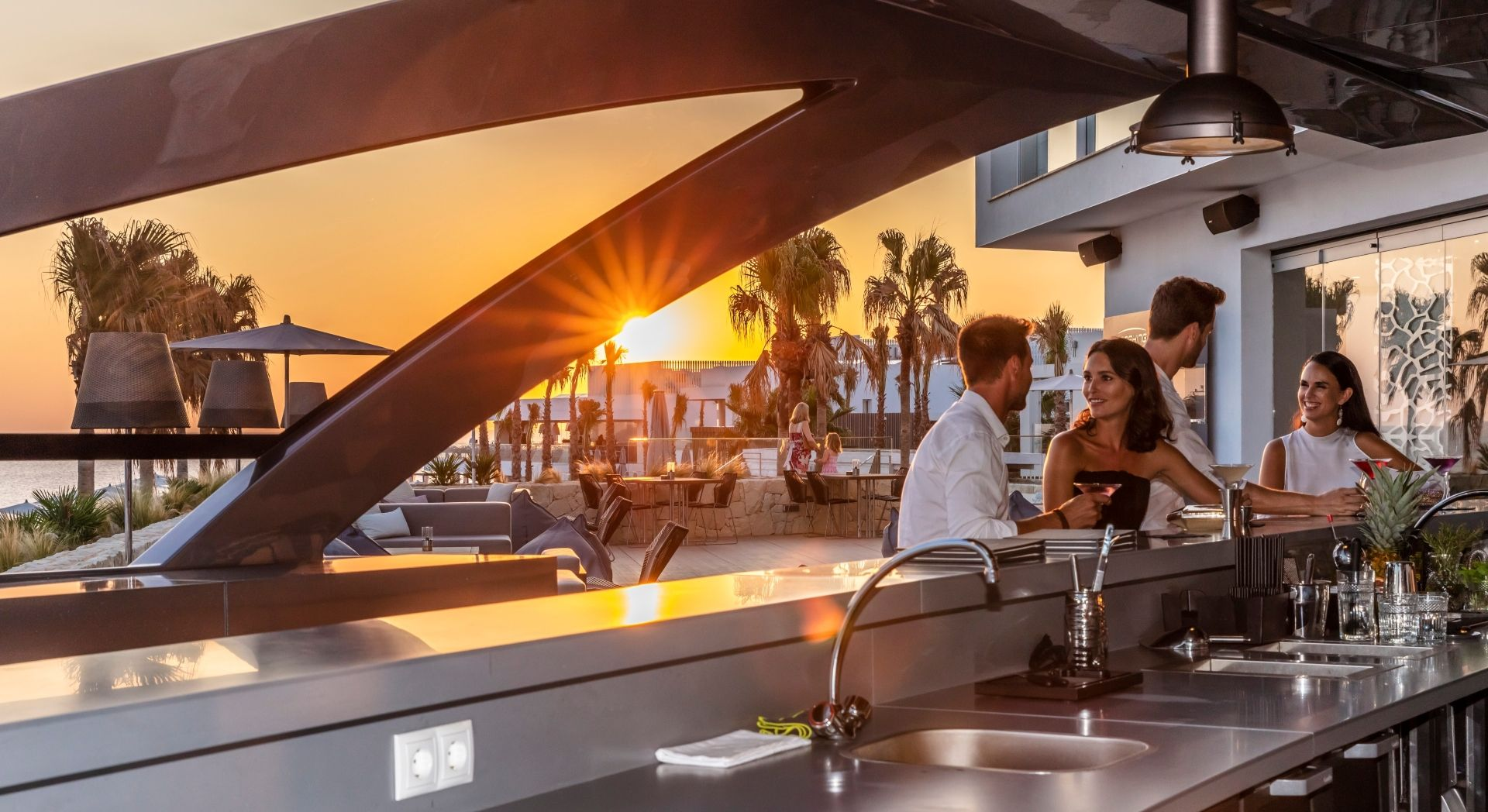 Pershing Yacht Terrace drinks