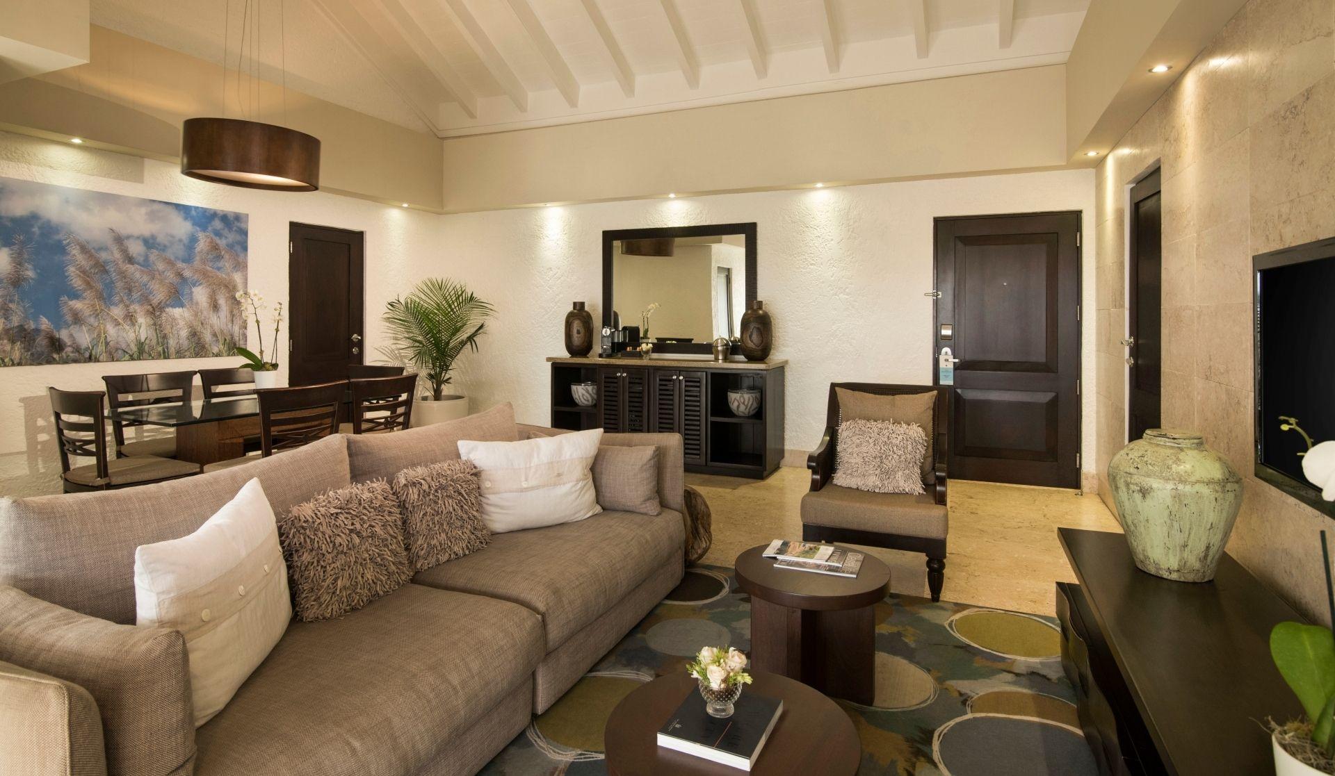 Hotel Suite – Elite Suite living area