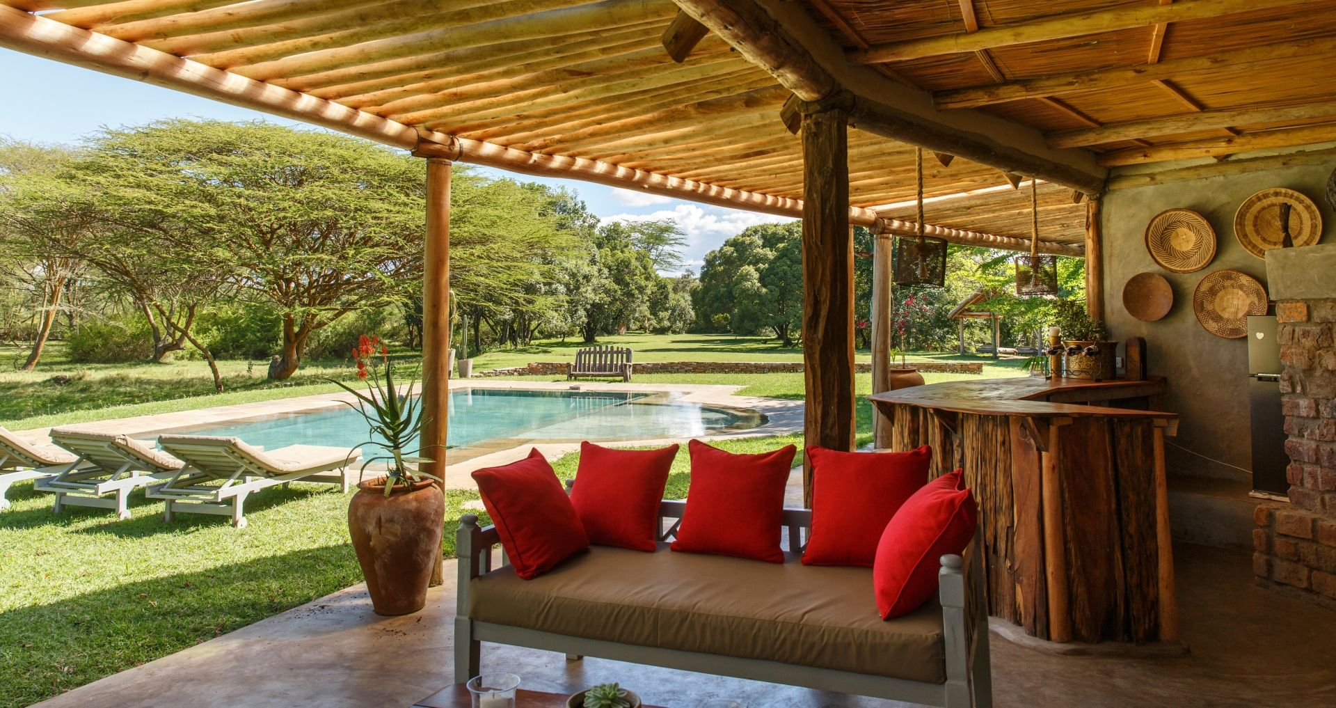 Wild Villa terrace and pool