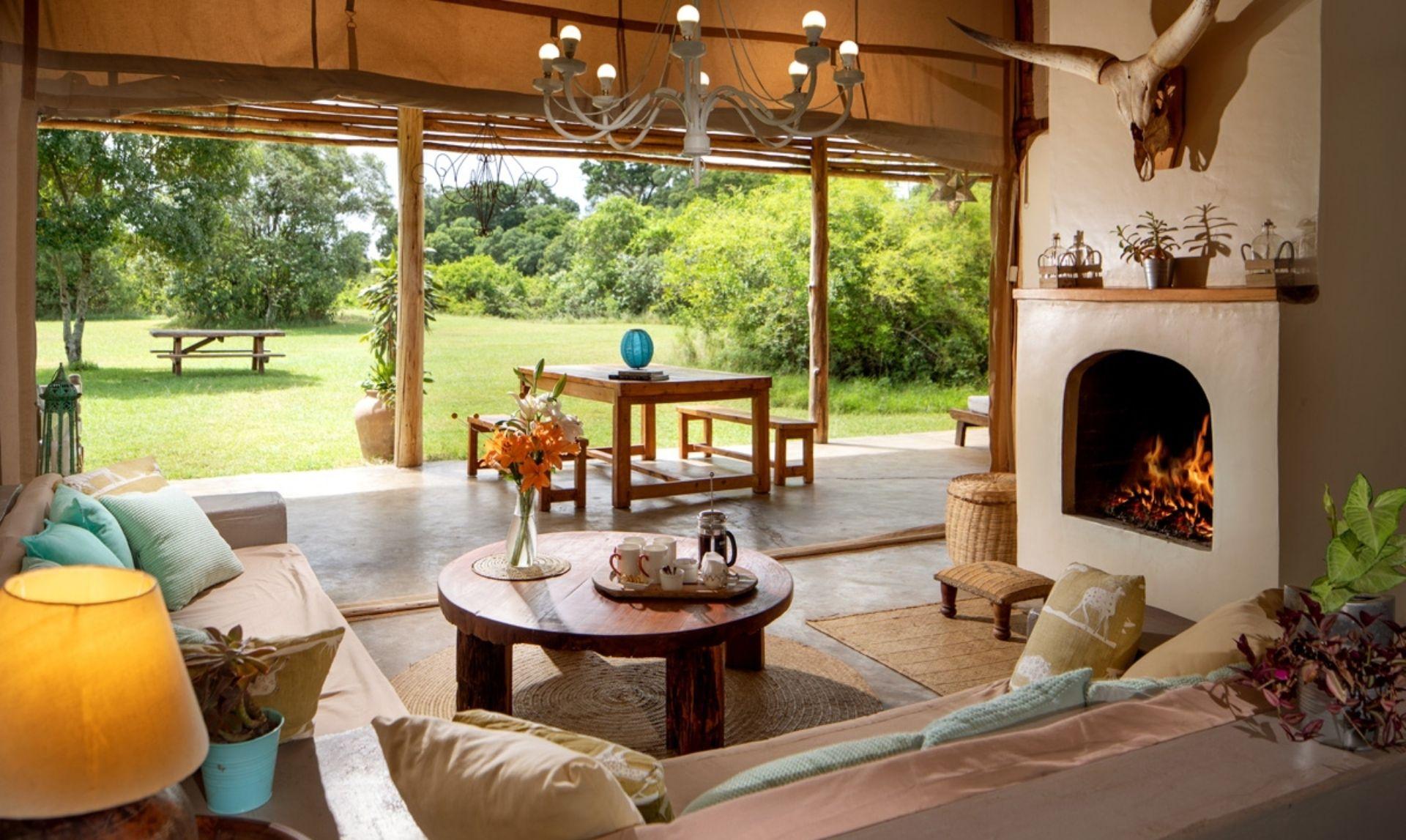 Marula Cottage Living room (Photo Credit: Silverless)