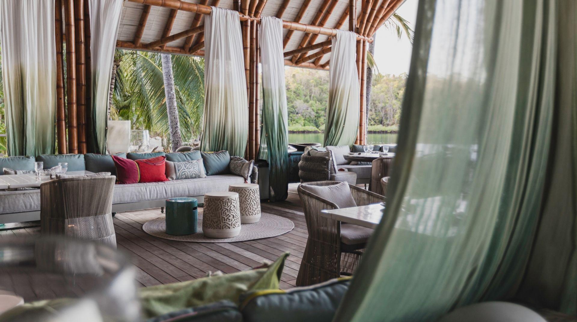 Move_Mountains_Luxury_Holidays_Sustainable_Americas_Panama_Islas_Secas_La_Terraza_lounge