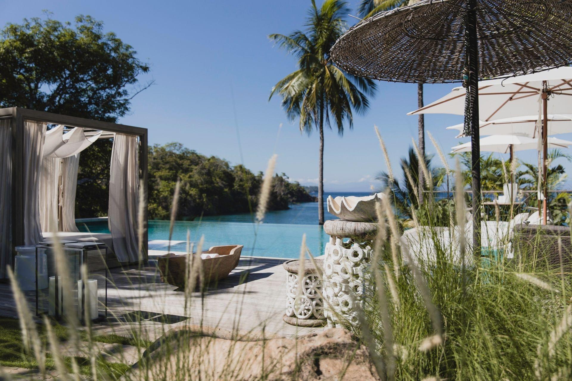 Move_Mountains_Luxury_Holidays_Sustainable_Americas_Panama_Islas_Secas_pool area