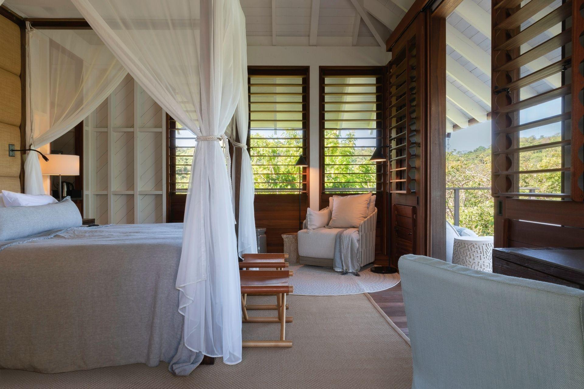 Move_Mountains_Luxury_Holidays_Sustainable_Americas_Panama_Islas_Secas_typical_double_decor