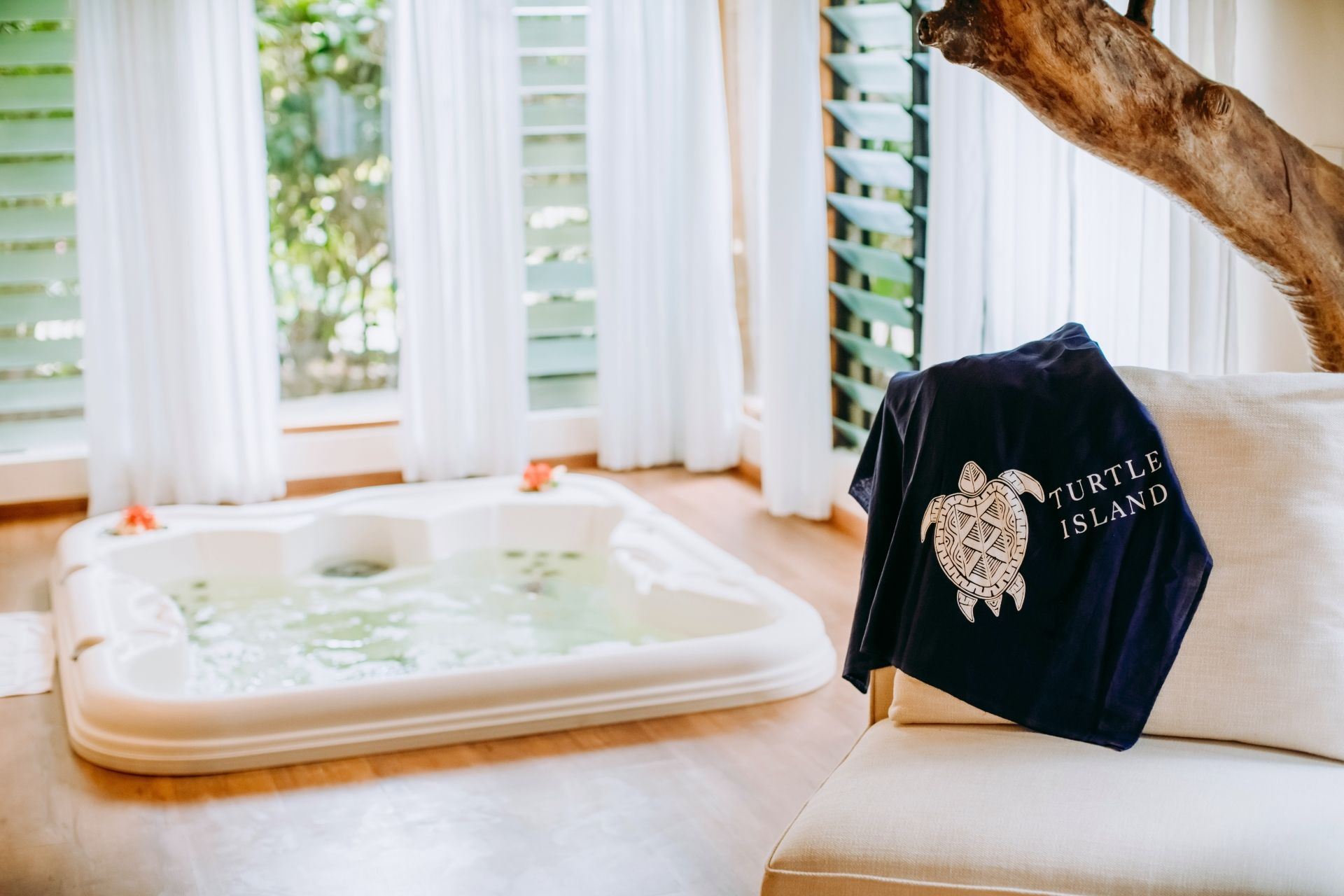 Turtle Island Grand Beachfront Villa hot tub