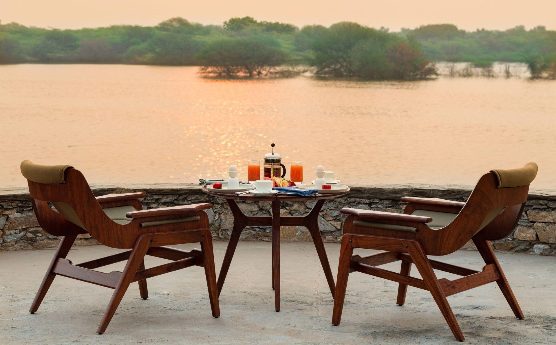 RAAS Chhatrasagar – breakfast in serenity