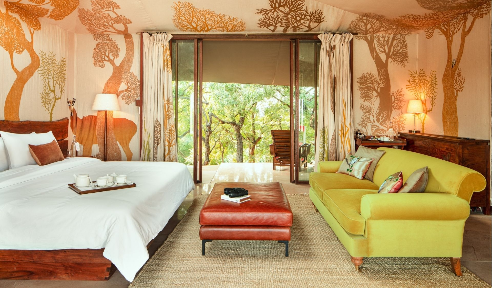 RAAS Chhatrasagar – Luxury tent looking out towards the forest side