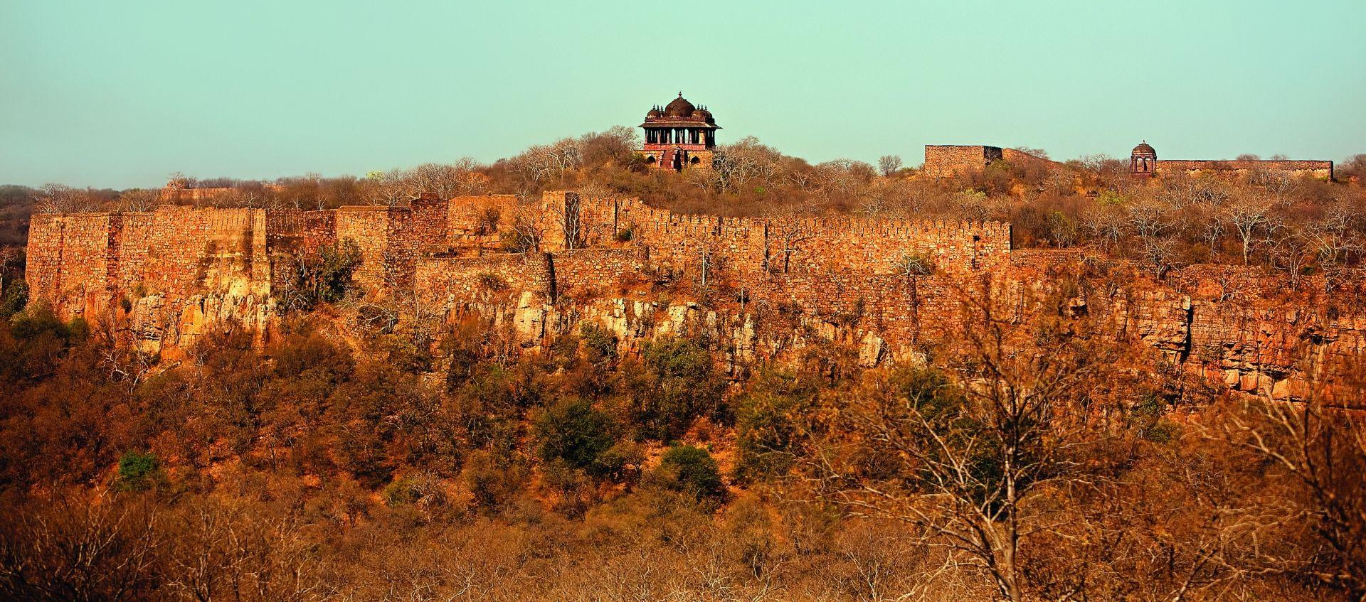 SUJAN Sher Bagh – Fort on escarpment