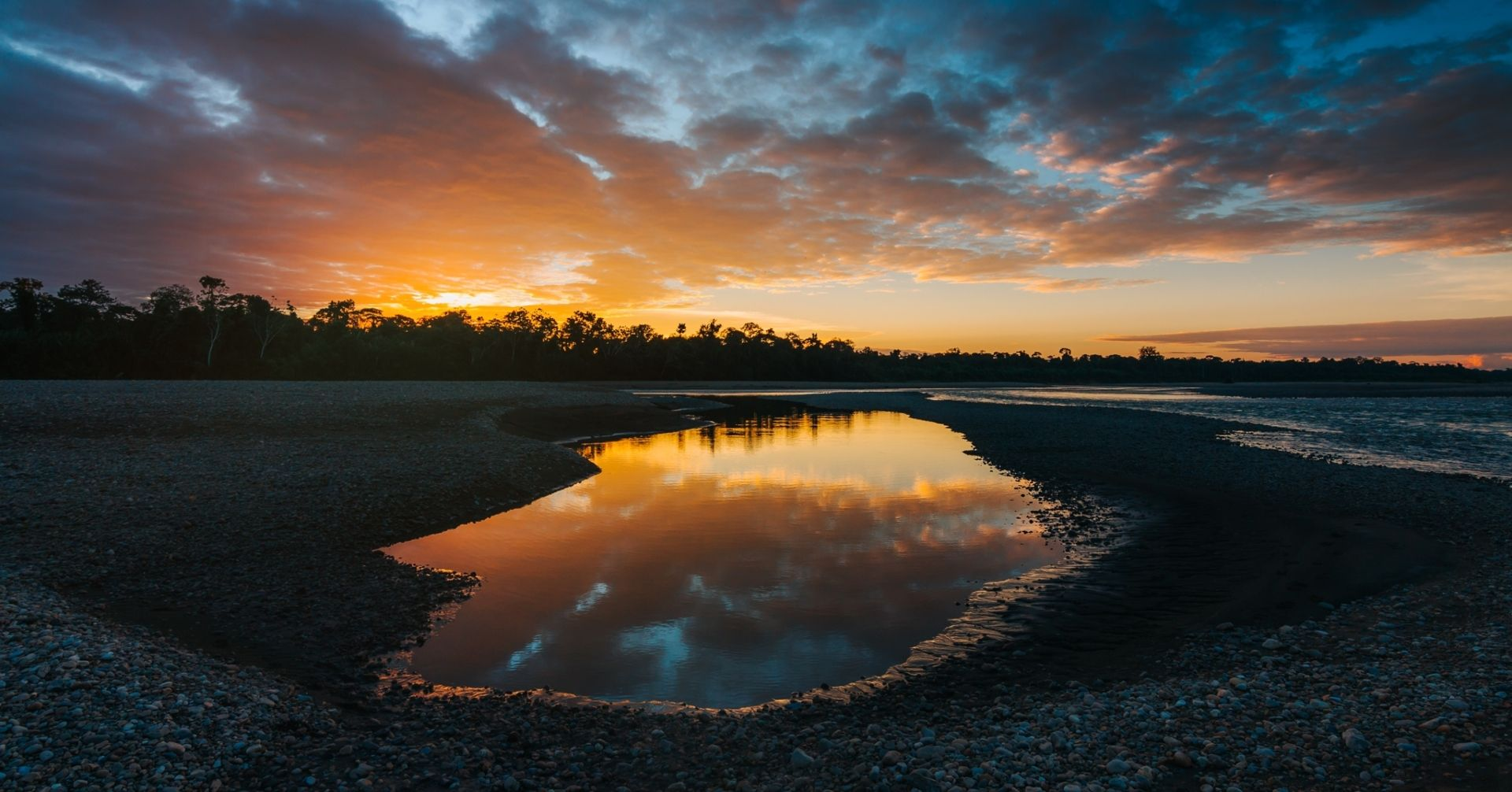 Amazon sunset in the river (Photo Credit: Alexis Huertas)